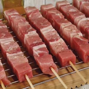 """Σουβλάκι Χοιρινό Premium Μηχ. 6% Υγρασία Κατεψυγμένο 100 gr/τεμάχιο """"Μακεδονίας"""" (50 τεμάχια/5 Kg το κιβώτιο)"""